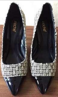 Sepatu model Anyaman