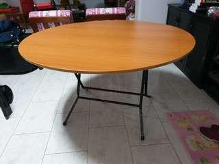 Round wooden dining table - 4 foot