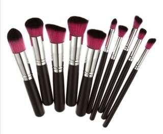 10 Pieces Kabuki Brush Set