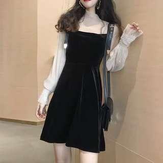 🚚 Black velvet sheer sleeved dress