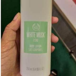 THE BODY SHOP WHITE MUSH BODY LOTION 250ML