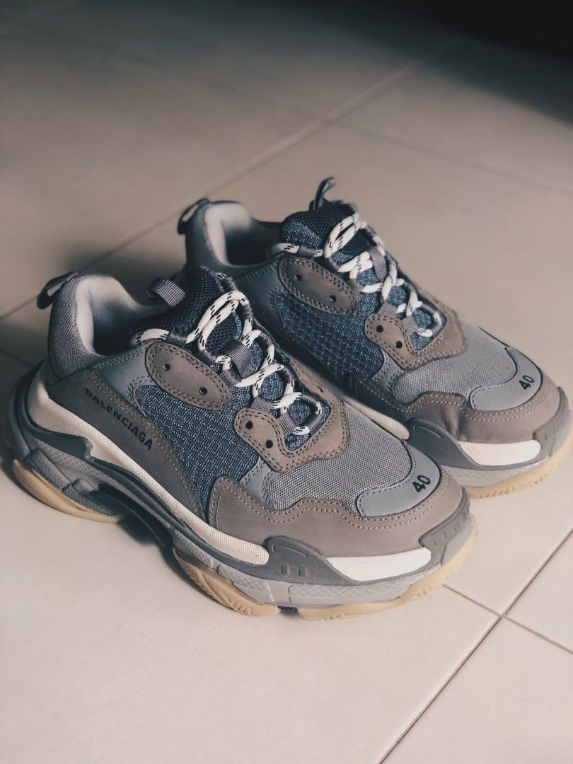 3e93914361 Balenciaga Triple S EU 40, Men's Fashion, Footwear, Sneakers on ...