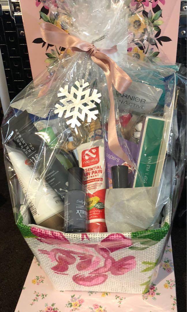 Beauty & Skincare Gift Pack. Over $130. FREE GIFT!Sportsgirl case!