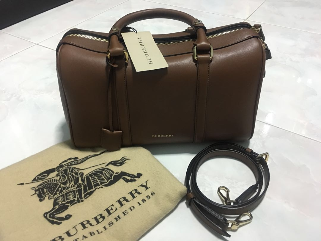 Burberry Bag With Shoulder Strap (Soft Medium Alchester Armour ... beeeb30abf438