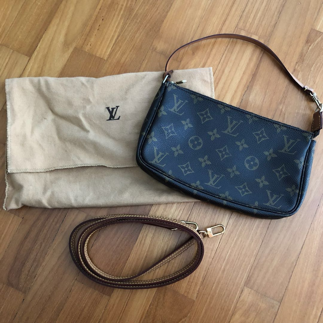 82e6c551d2d0 LV Louis Vuitton classic small shoulder   sling Bag
