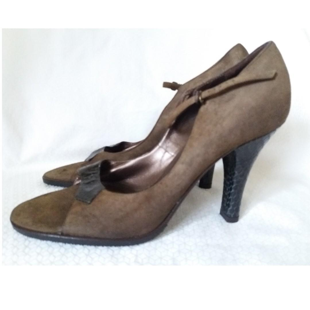 ae5cc924a2c SALE New THEORY (Made in Italy) Brown Suede Heels, Women's Fashion ...