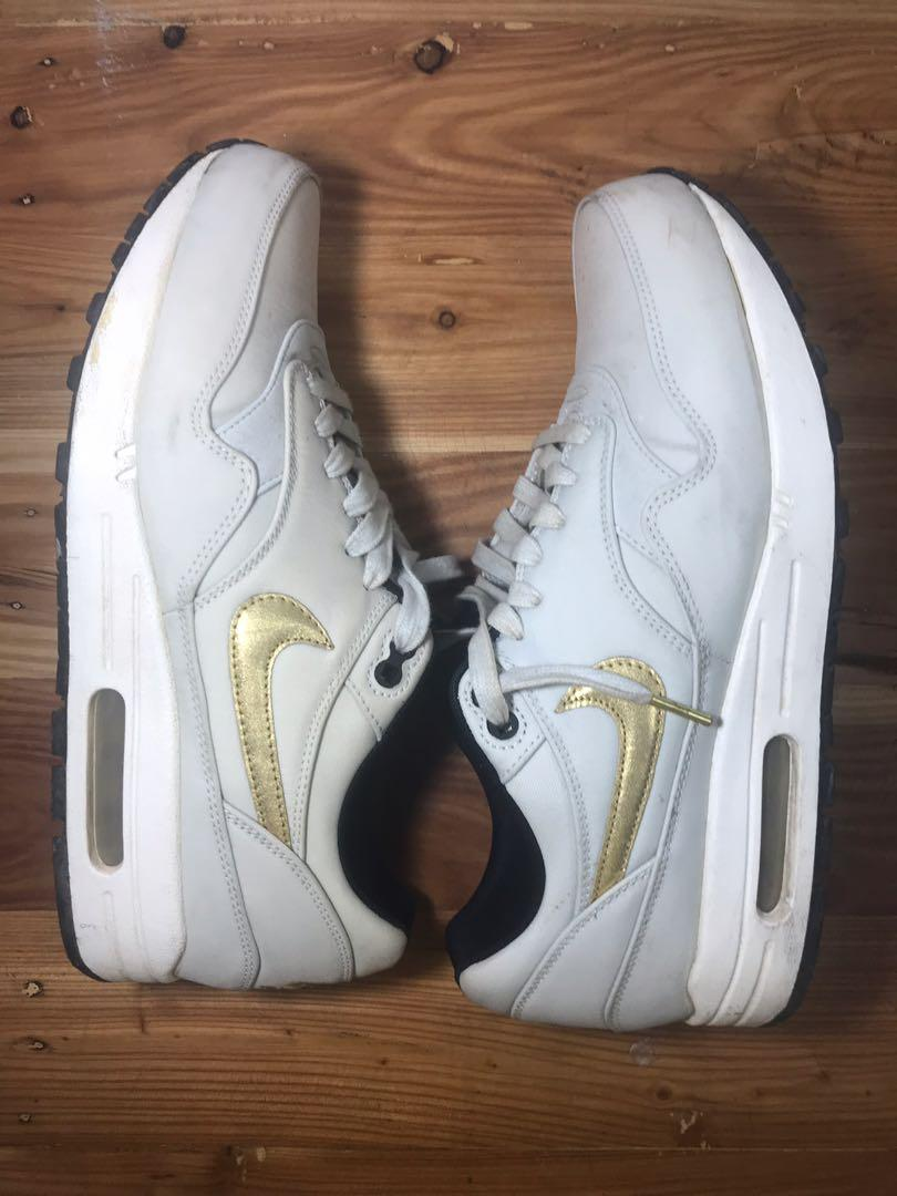 finest selection ac467 1ded4 Nike Air Max 1 Gold Trophy on Carousell