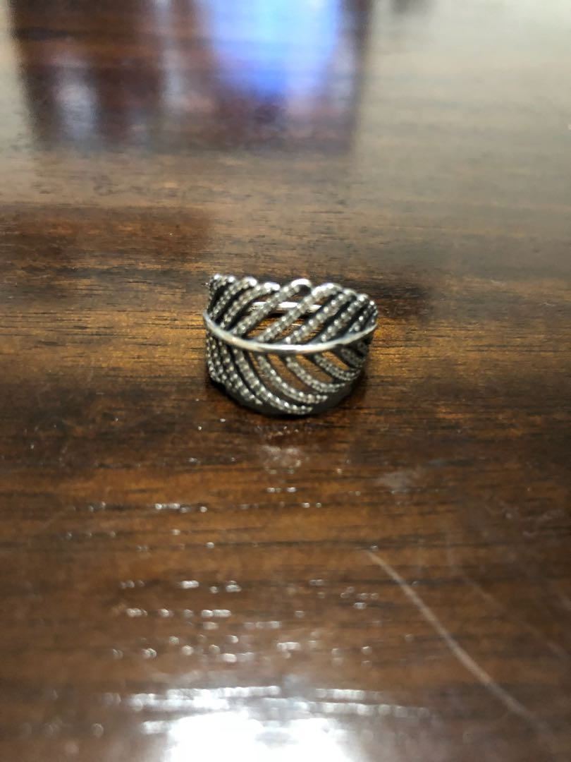 9930fa7c702ae1 Pandora Shimmering Feather Ring, Women's Fashion, Jewellery, Rings ...