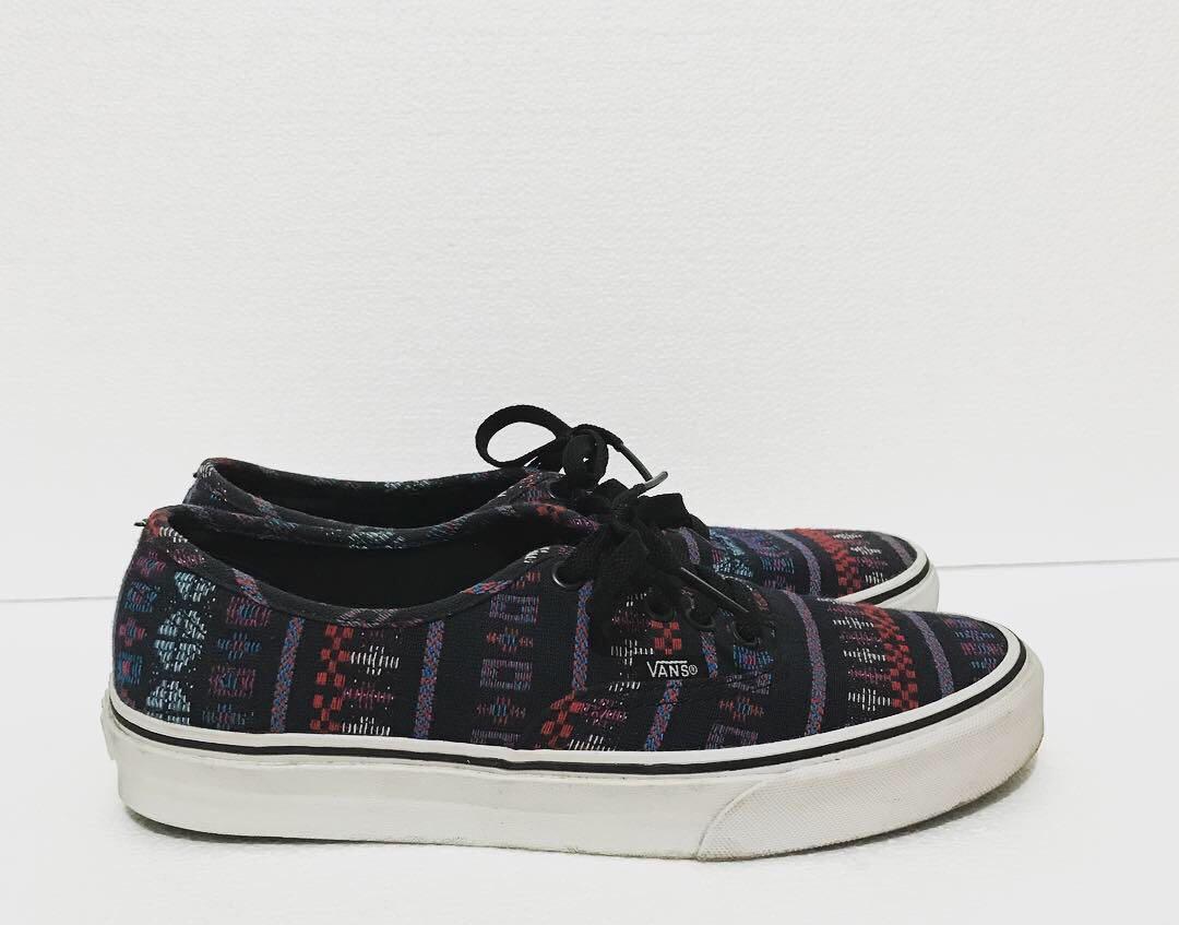 2a7aef20b375 REPRICED  VANS Authentic Guate Stripe Shoes Men s 8 EUC
