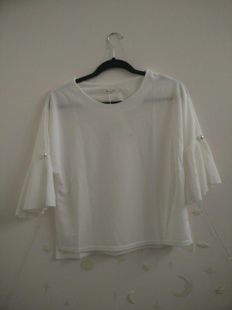 White Bell Sleeve Pearl Blouse Size M (Brand New!)