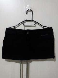 Billabong black skirt