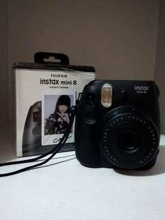 Black Fujifilm Instax Mini 8