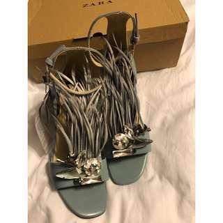 ZARA: Heels.. Size: 6