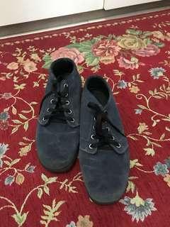 Sepatu merk marco cuomo msh bgus dn layak pakai,dulu beli 750ribu