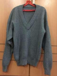 Grey sweater pullover L to XXXL winter travel clothing shoulder68cm x chest 57cm stretchable men or women