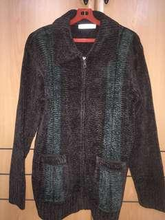 Men or women cardigan zip up sweater winter travel clothing chest 56cm x shoulder 52cm with pockets stretchable