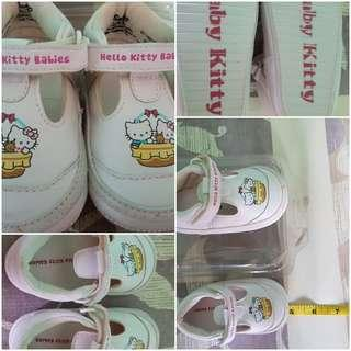 Hello Kitty Shoes Original size 19
