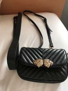 Zara lion wait bag