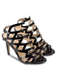 Heels ( NOSE ) Size 39