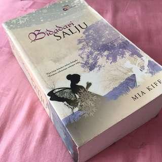 Novel Melayu Bidadari Salju
