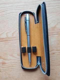 Pen case for 3 pens
