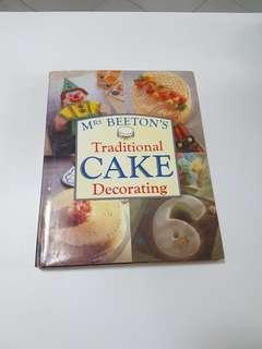 Mrs Beeton's Traditional Cake Decorating