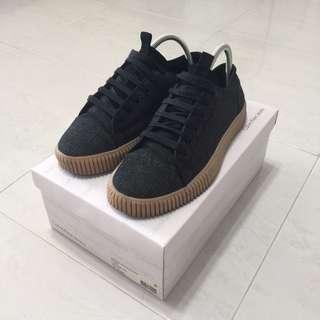 Calvin Klein Sneaker Shoe Trainer US7.5 9.5/10 BEST