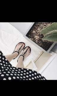 🚚 韓版金屬裝飾涼鞋-黑 23.5號