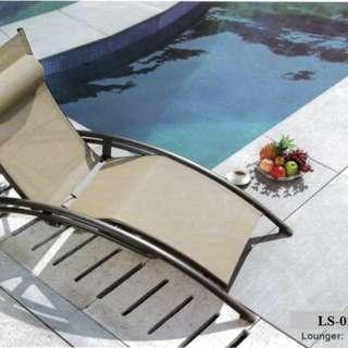 net deck pool sun lounger