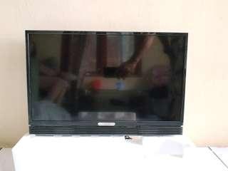 TV LED 24 INCH