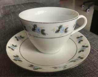 中國界牌銀邊茶具套裝四杯四碟