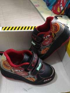 Bn mc queen roller shoes size30