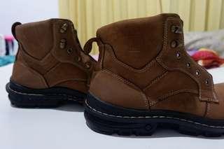Jim Joker Boots