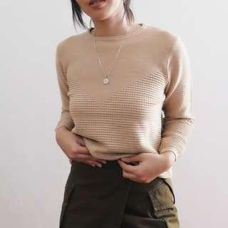 B23 Beige Knit with Shimmer