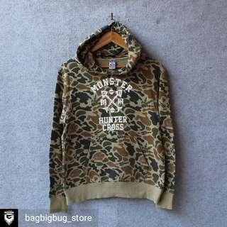 UNIQLO x MONSTER HUNTER Hoodie Size S