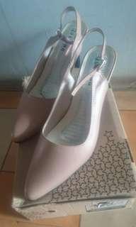 Sepatu heels 5cm Justino