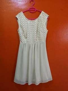 FOREVER 21 || Beige Mini Dress
