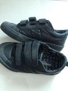 Sale Zara Black Shoes for boys 28/29