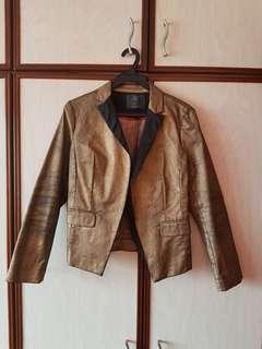 Women's brown vintage blazer.