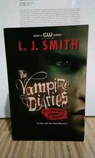 The vampire diaries L.j Smith The Awakening and The Struggle book books