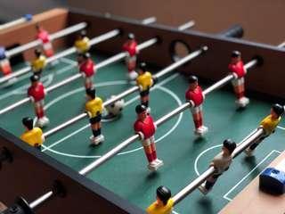 小型手足球桌