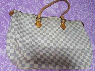 LV 白格Pattern奶粉袋