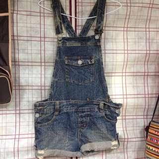 牛仔吊帶短褲