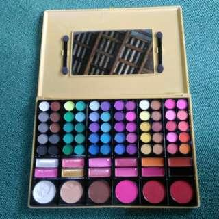 Eyeshadow pallets