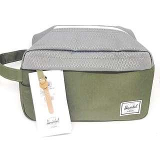 Herschel - Chapter Carry on Travel Kit