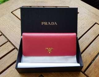 PRICE REDUCED! LNIB Prada Saffiano Wallet