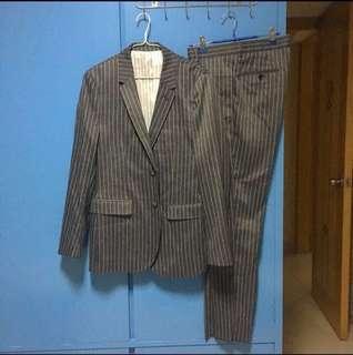 全新 initial 深灰色直條西裝外套及西褲
