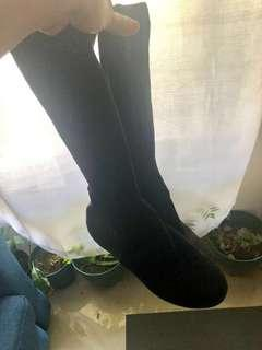 Chic black long boots