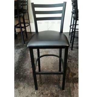 【二手高腳椅】工業風高腳椅 有8張 厚坐墊 吧台椅 高腳椅 高吧椅 工業風 鐵件 物品在新竹市靠近科學園區自取