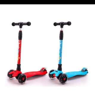 Kid scooter wheels with light